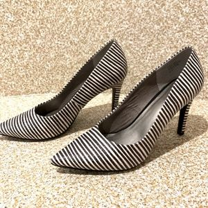 Seychelles: Striped Almond Top Career Pumps
